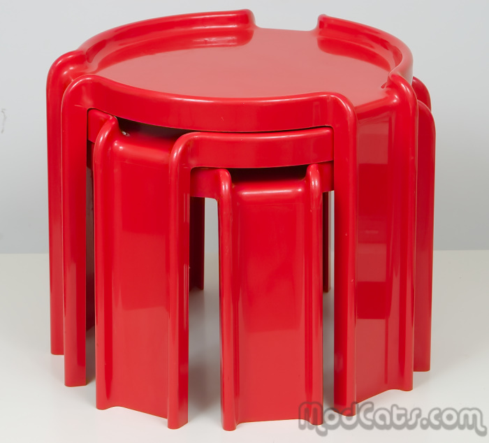 Giotto Stoppino For Kartell Red Table Set